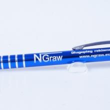 niebieski metalowy długopis z grawerem