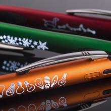 długopis ze świecącym grawerem