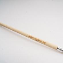 drewniany ołówek z logo